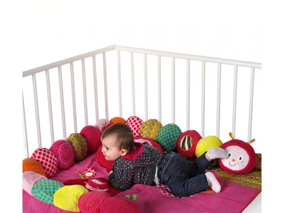 lilliputiens tour de parc juliette la chenille s 39 enroule. Black Bedroom Furniture Sets. Home Design Ideas