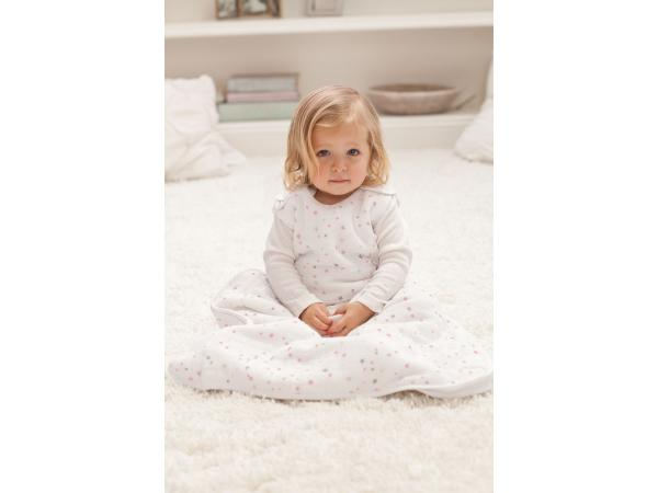 aden and anais gigoteuse cozy plus lovely etoiles roses xl 18 24 mois. Black Bedroom Furniture Sets. Home Design Ideas