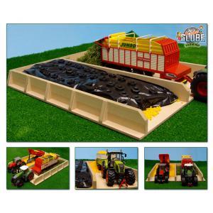 Kids Globe Farmer - 610451 - Silofosse à ensilage en bois échelle 1:32   38x46x5 cm (310494)