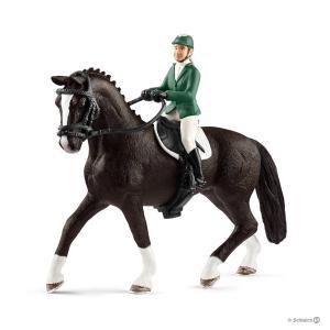 Schleich - 42358 - Cavalière de saut d'obstacles avec cheval - 8,5 cm x 15 cm x 18 cm (333326)