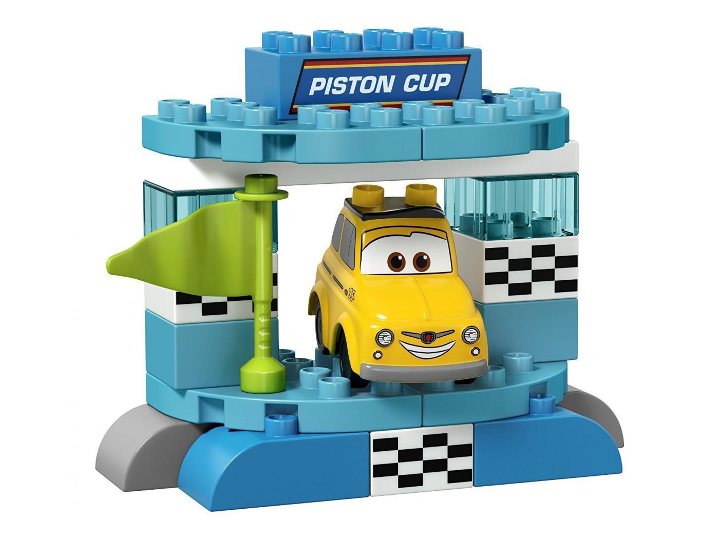 Cars  Course De La Piston Cup Jouet