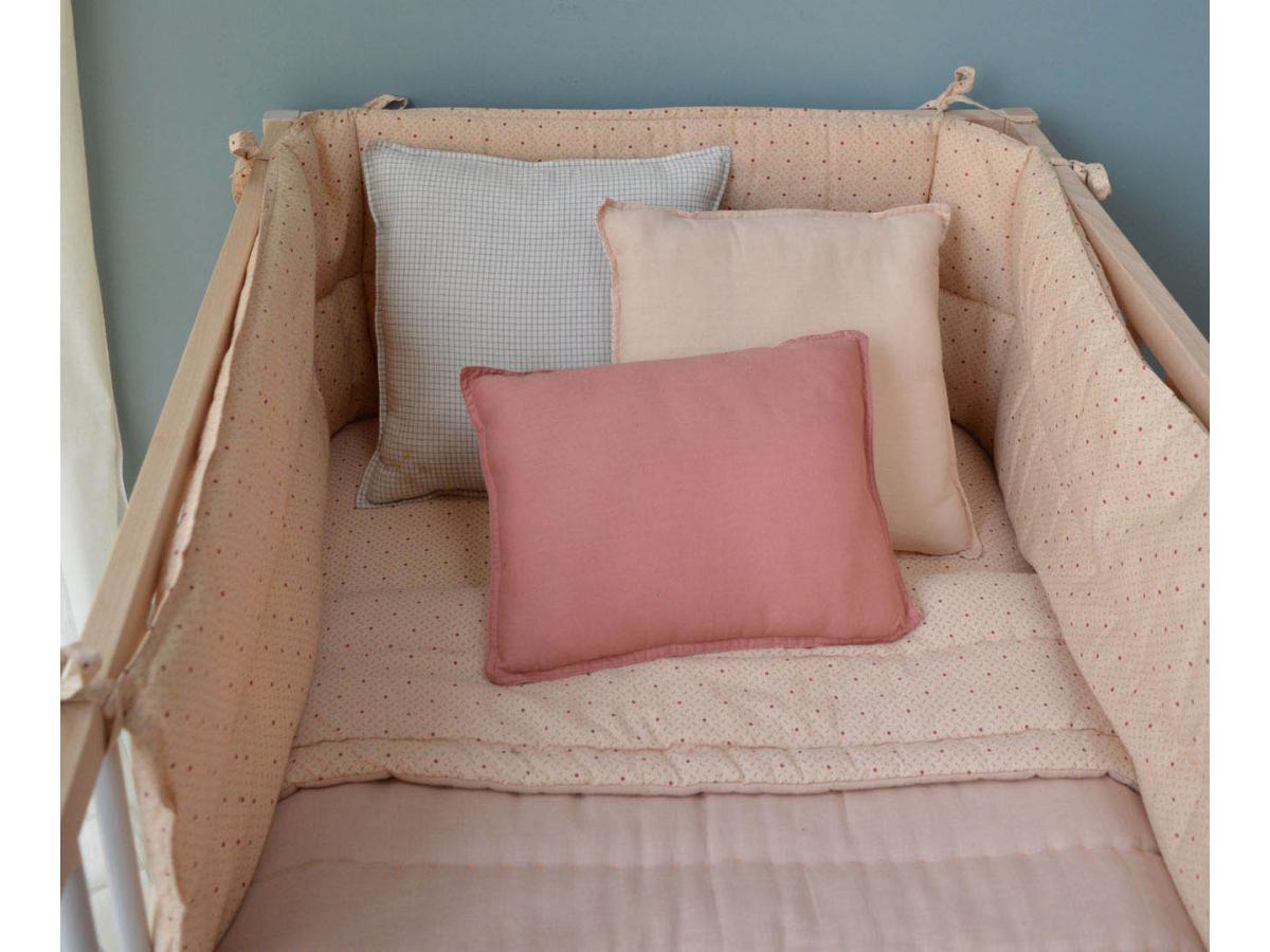 camomile london couverture matelass brod e main r versible keiko p che rose. Black Bedroom Furniture Sets. Home Design Ideas