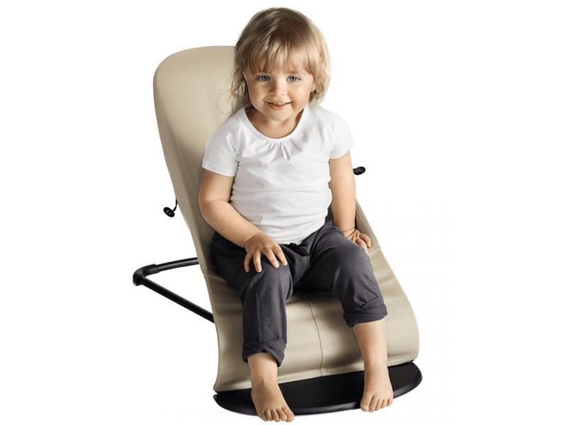 transat balance soft noir gris fonc cotton avec jouet en bois. Black Bedroom Furniture Sets. Home Design Ideas