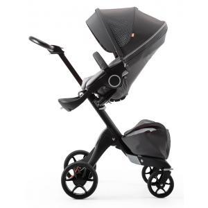 Stokke - 493403 - Poussette Xplory V5 Chassis noir avec siège et sac shopping Athleisure Gris, porte gobelet et ombrelle inclus (356650)