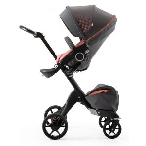 Stokke - 493401 - Poussette Xplory V5 Chassis noir avec siège et sac shopping Athleisure Corail, porte gobelet et ombrelle inclus (360338)