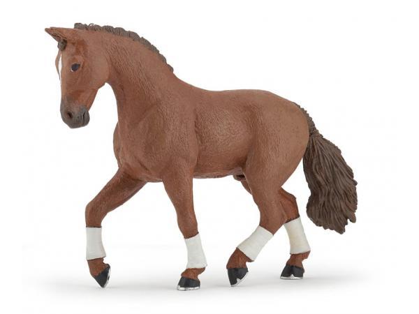 Figurine cheval hanovrien alezan