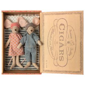 Maileg - 16-9740-01 - Mum & dad mice in cigar box (406514)