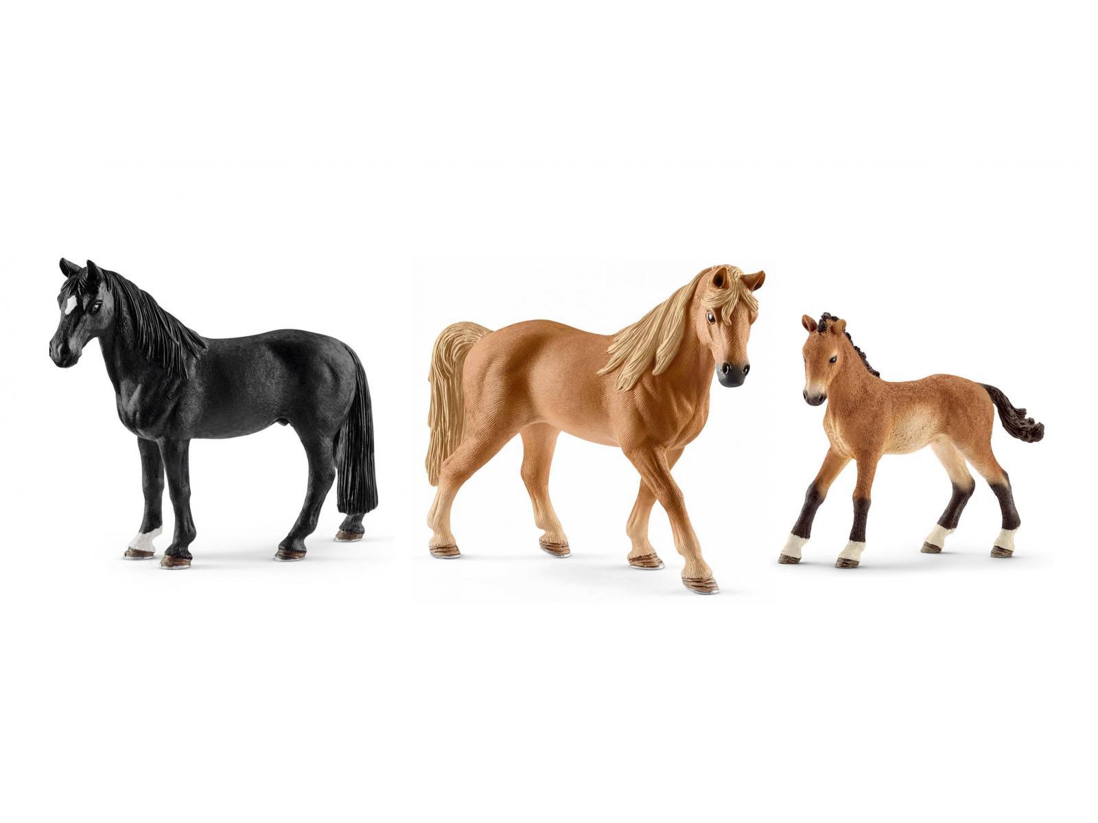 Figurines De Chevaux Tennessee Walker Hongre Jument Poulain