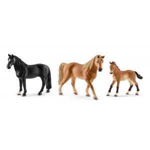 Schleich - bu006 - Figurines de chevaux Tennessee Walker (hongre, jument, poulain) (410418)