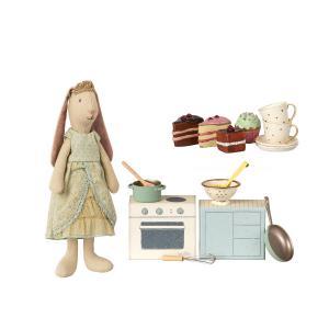 Maileg - BU018 - Set de poupées mini, Prince, Mini lapin princesse - avec mini set de cuisine et valise avec. gâteaux et vaisselle p (415542)