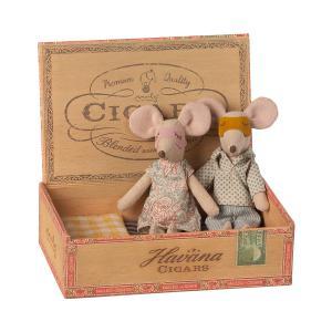 Maileg - 16-1740-01 - Maman & Papa Souris dans leur boîte à cigares - 17 cm (460922)
