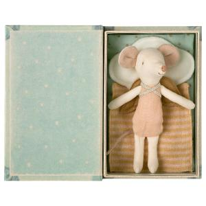 Maileg - 16-1736-01 - Angel Stories, Big sister mouse in book (461022)