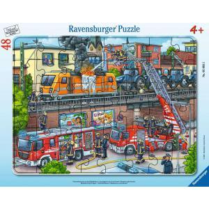 Ravensburger - 05093 - Puzzle cadre 30-48 pièces - Les pompiers sur la voie ferrée (461206)